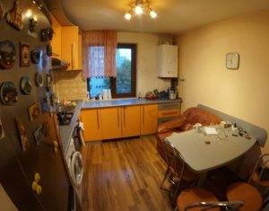 Inchiriere  apartament cu 3 camere cu garaj in Manastur