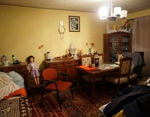 Vanzare apartament 3 camere decomandate Zorilor, etaj 1, parcare proprie
