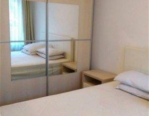 Apartament spatios, 2 camere decomandate, zona centrala