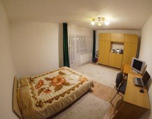 Apartament de inchiriat 3 camere, zona Intre Lacuri