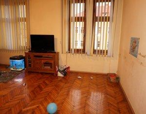 Vanzare apartament 2 camere, confort lux, centru