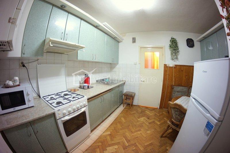 Inchiriere Apartament 3 camere decomandat, strada Plopilor, zona Nobori