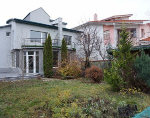 Maison 6 chambres à vendre dans Cluj-napoca, zone Zorilor