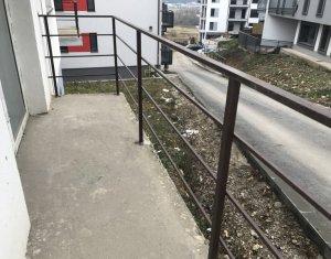 Vanzare apartament 3 camere, 2 bai, in Floresti, zona Donath