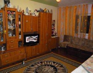 Apartament 4 camere, decomandat, 80 mp, 2 bai, balcon, strada Campului, Manastur