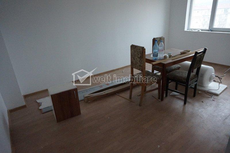 Apartament cu 3 camere 55mp, cu balcon, Floresti