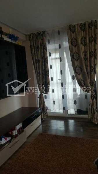 Vanzare apartament cu 3 camere, mobilat complet, Floresti, zona Porii