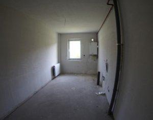 Vindem apartament cu o camera,decomandat, 42mp, in Baciu si cu Credit Prima Casa