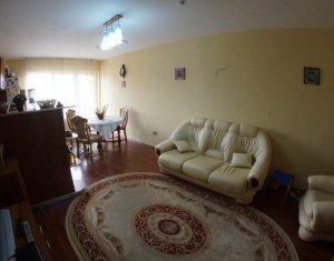Apartament 3 camere decomandate, etaj intermediar, cu parcare, cartier Baciu