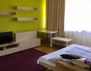 Apartament 2 camere decomandat, strada Plopilor