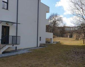 Inchiriem casa cu garaj dublu in Andrei Muresanu, prima inchiriere