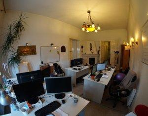Inchiriem spatiu pentru birouri, 260 mp, central