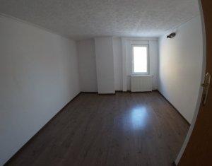 Apartament la casa, Centru