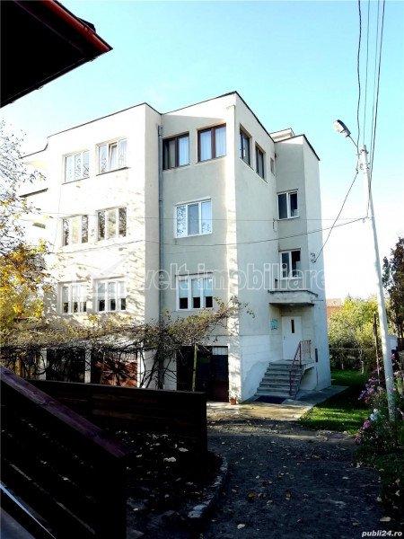 Apartament cu 4 camere, 105 mp, zona Andrei Muresanu, cu gradina