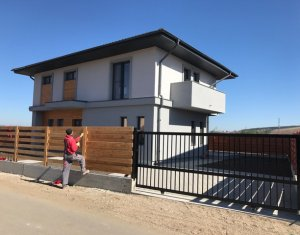 Maison 4 chambres à vendre dans Cluj-napoca, zone Apahida