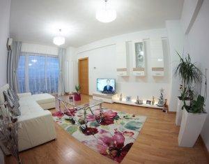 Vanzare apartament de lux cu 3 camere, garaj subteran, in complexul Viva City