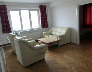 Inchiriere apartament 3 camere, ultracentral, zona Medicina, Primarie