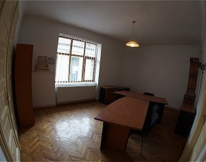 Apartament cu 4 camere, decomandat,  zona ultracentrala, 95mp