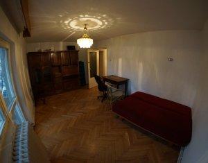 Inchiriem apartament 4 camere, 2 bai, pe Titulescu