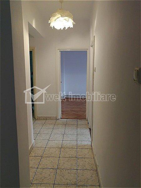 Apartament 3 camere decomandate, centru