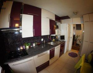 Apartment 4 rooms for sale in Cluj-napoca, zone Intre Lacuri