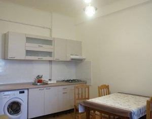 Apartament 2 camere, 45mp utili, semidecomandat, zona Ultracentrala