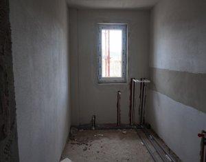 Vanzare apartament 3 camere, 2 bai, zona Vivo