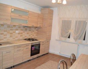 Inchiriere Apartament 3 camere, decomandat, strada Bucuresti, zona Farmec