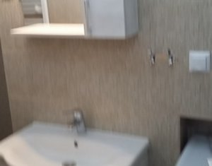 Inchiriere apartament cu 2 camere, ultracentral, zona Magazin Play