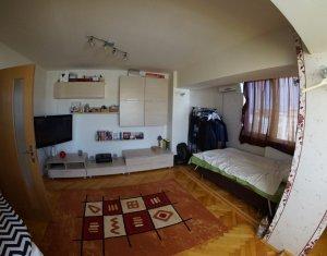 Inchiriem apartament cu 2 camere decomandate, 64 mp, in zona Iulius Mall