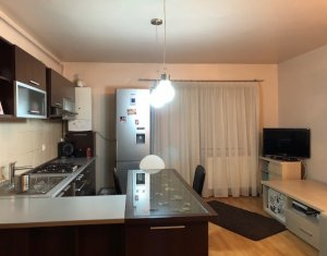 Vanzare apartament 3 camere, mobilat, Floresti, zona Tineretului