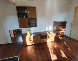 Inchiriere apartament cu 3 camere, semidecomandat, Gheorgheni, Piata Hermes