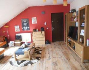 Vanzare apartament cu 3 camere, mobilat si utilat, Floresti, Cetatii