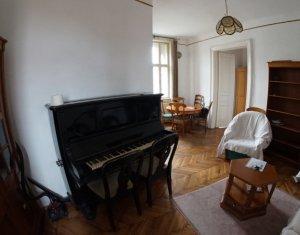 Apartament 4 camere, Centru