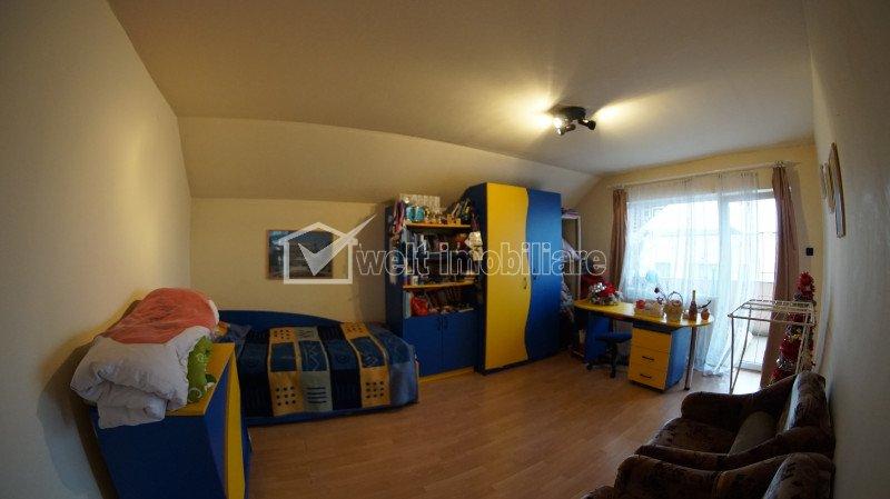 Casa individuala, 4 camere, piscina exterioara, 1200 mp teren, Andrei Muresanu