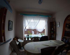 Casa individuala, 4 camere, piscina exterioara, 1200mp teren, Andrei Muresanu